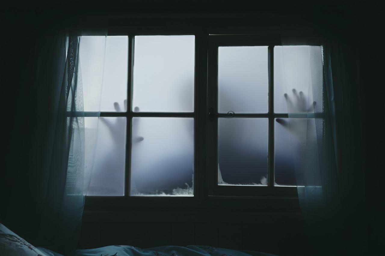 Claustrofobia, la paura degli spazi chiusi, cos'è e come si cura